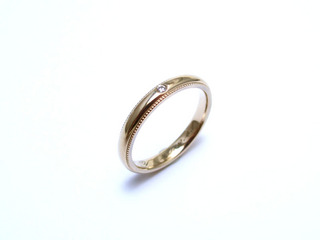 K18シャンパンゴールドミル打ちとダイヤモンド.jpg